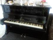 Продам пианино Украина,  черное с арнаментом